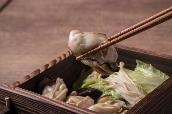 流川の和食居酒屋 遊心 広島名物 牡蠣のせいろ蒸し